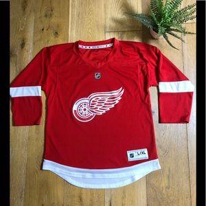 NHL Red Wings hockey jersey women's  L/XL